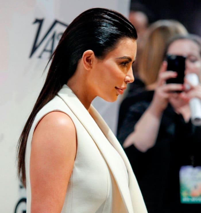 kim-kardashian-moco-de-gorila