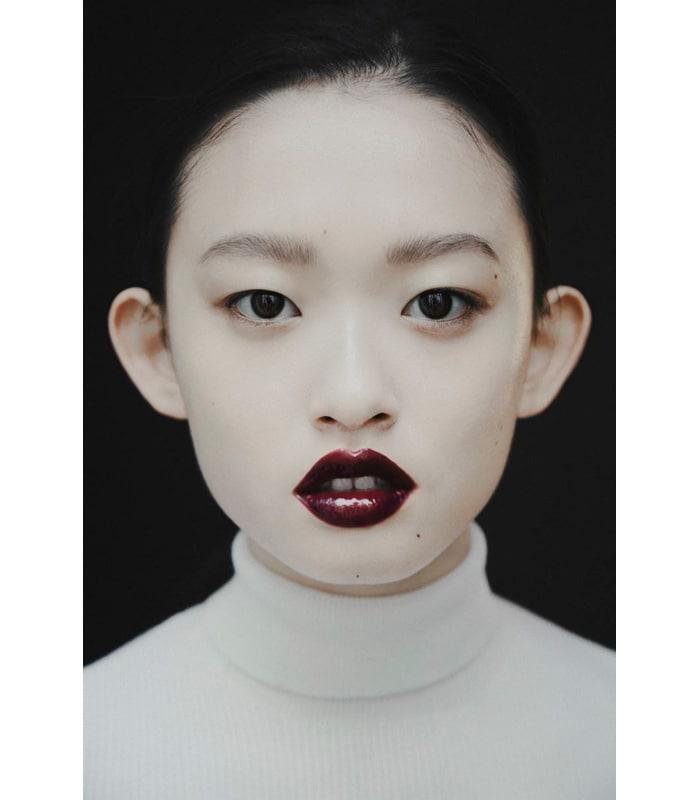 Para la modelo Julee Huang sus orejas de soplillo no son ningún problema