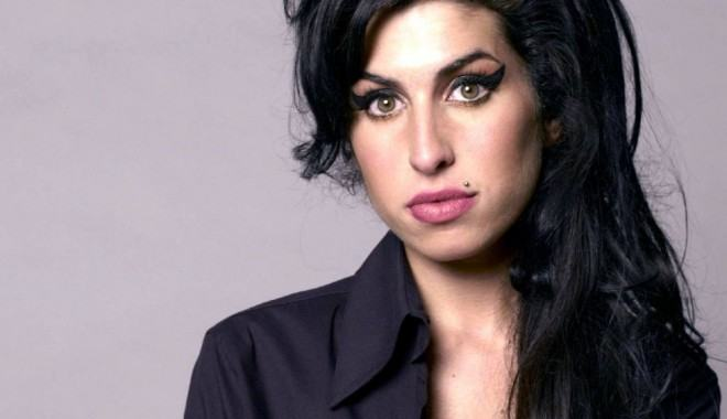 eye-liner amy winehouse ojos gata