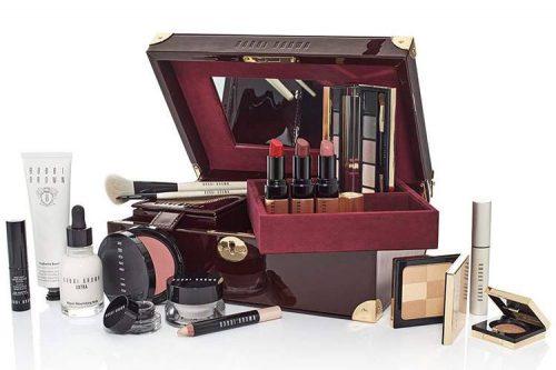 Bobbi-Brown-Holiday-2016-Luxe-Beauty-Trunk Precio: 220 euros / cofre sin productos.