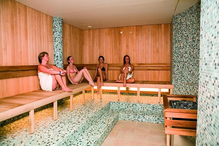 Construir Una Sauna. Top Continuamos Colocando Ms Paneles De Abeto ...