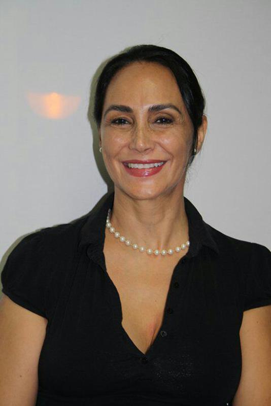 Elena Aguilar micropigmentación cejas