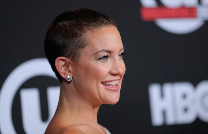 Kate Hudson Corte Pelo Cancer Mama Flabetics