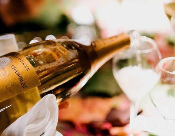 6 Frases Célebres Sobre El Champagne Para Empezar La Fiesta