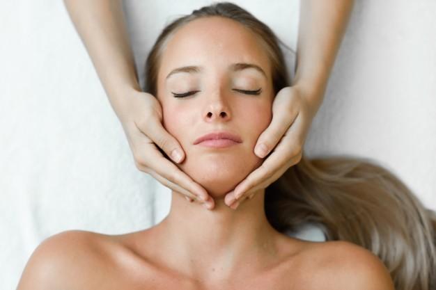 masajes del mundo cara