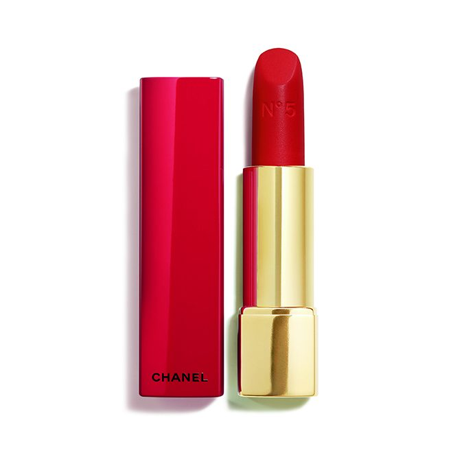MA2017 18 2211 1 CRÉATION EXCLUSIVE ROUGE ALLURE VELVET N5