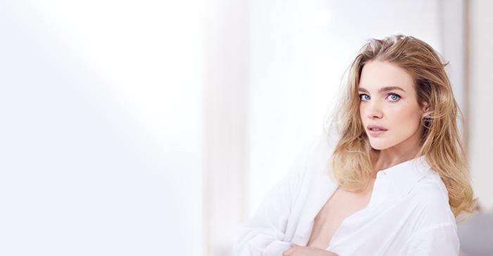 Natalia Vodianova Aqua Nude 1