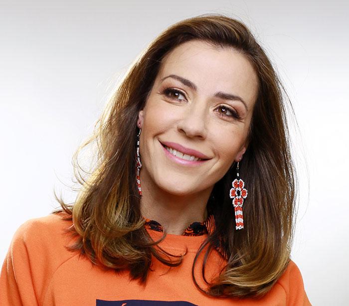 Ines Sainz Con La Miss En Los Talones