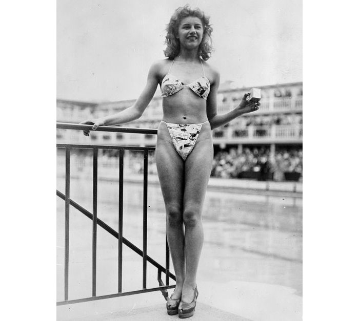 Dia Mundial Del Bikini Louis Reard