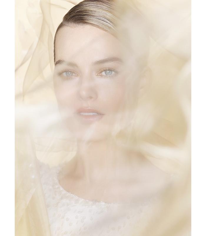 Margot Robbie Gabrielle Chanel Essence