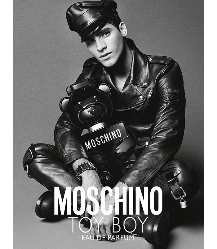 Toy Boy Moschino Jhona Burjack 2