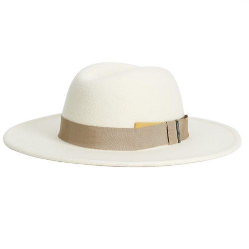 Sombrero de Parfois.