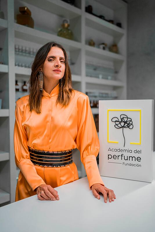 Macarena Gómez En El Rodaje Del Smell Film Junto Con La Academia Del Perfume