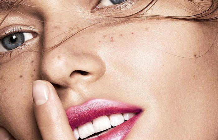 Modelo Lip Comfort Oil Shimmer