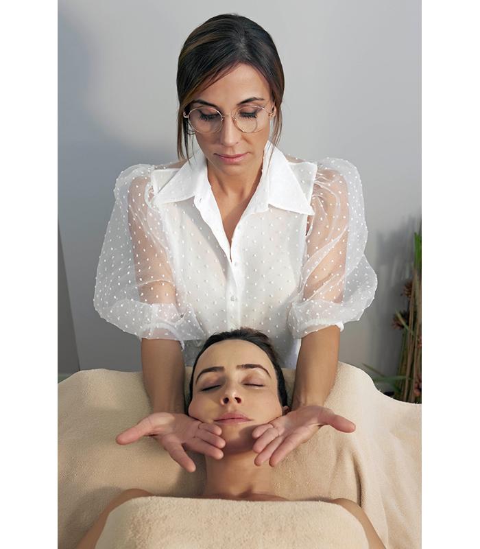 Yvette Pons SULYFTH Terapia Manual Rejuvenecimiento Facial