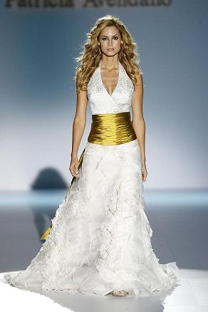 catalogo de vestidos de novia. un traje de novia